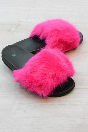 Fuchsia Faux Fur Sliders