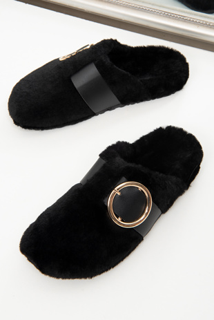 Black Faux Fur Buckle Detail Mule Slipper