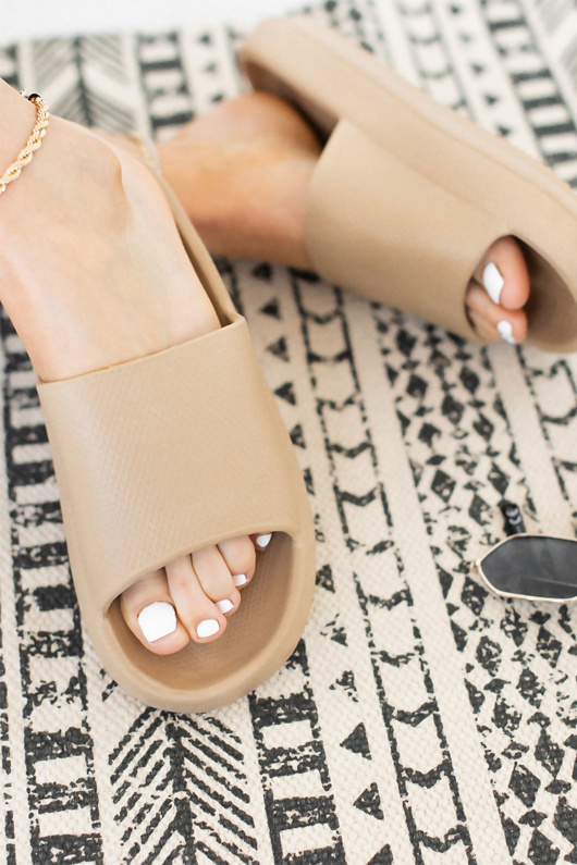 Nude Chunky Rubber Slider